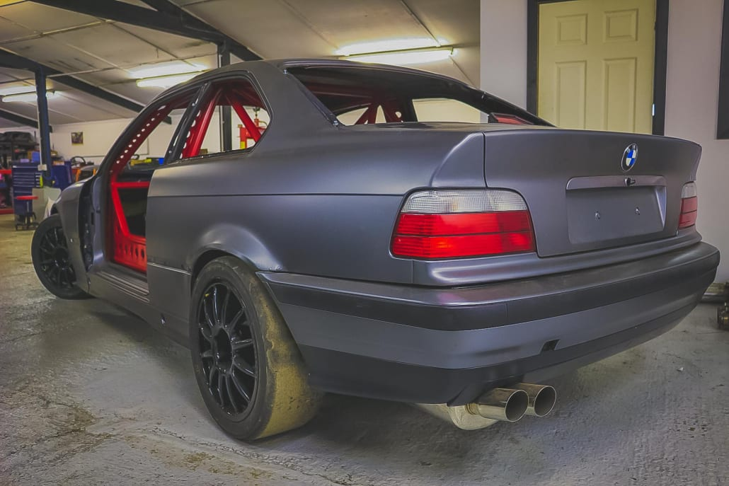 E36 328i Track Car With Roll Cage, Slick Tyres And Other Modifications