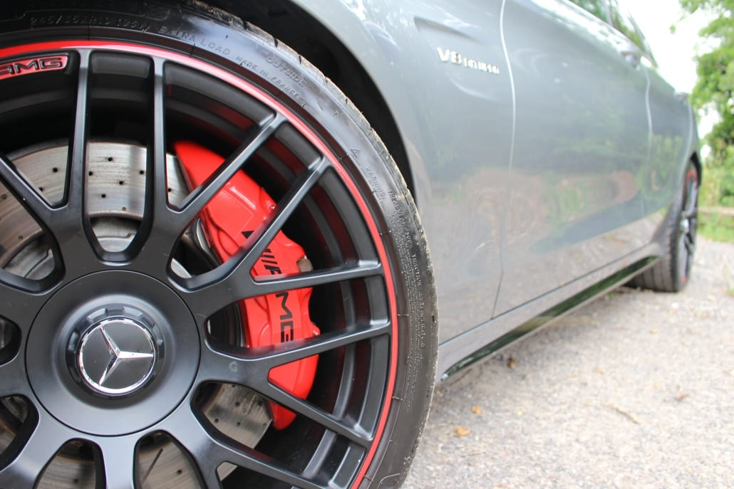 Wheel and brakes of Mercedes-AMG C63 S Edition 1 Estate